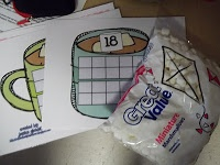 FREEBIE: Ten frame hot chocolate with miniature marshmallows: Math Tubs in Kindergarten