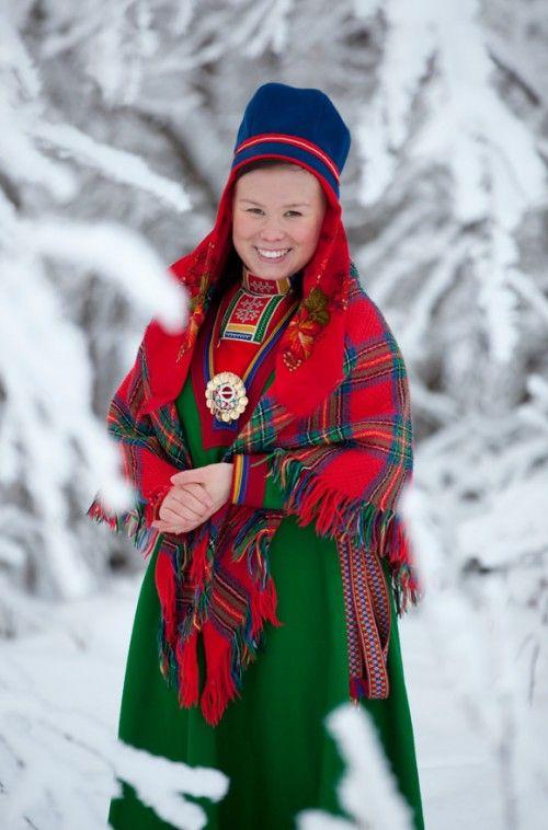 Fantastisk samedräkt! (Foto Laila Durán, Scandinavian Folklore)