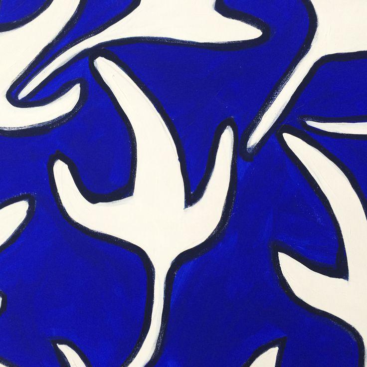 Particolare in bianco e blu con foglie. Collezione privata di STRA-DE STRATEGIC-DESIGN.