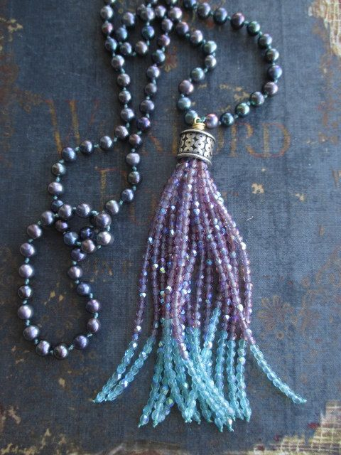 Freshwater pearl tassel necklace Purple Passion por slashKnots