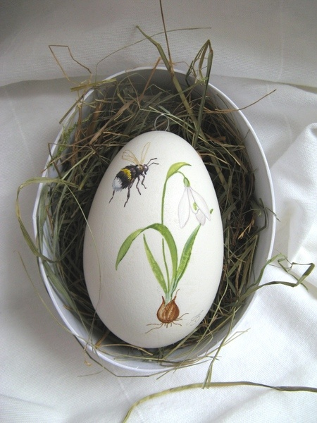Hand Painted Goose Egg ♥ Source: machlach at DaWanda