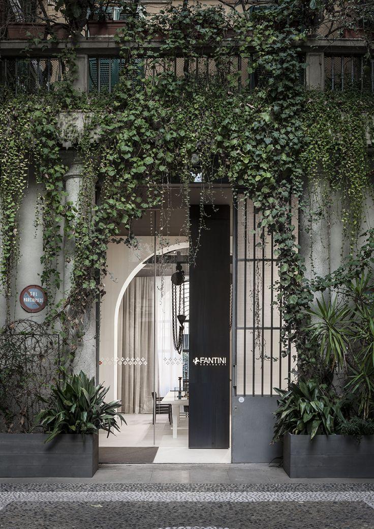 Apre nel cuore di Milano, in Via Solferino 18, lo spazio _Fantini Milano_, punto di incontro dell'azienda per architetti, giornalisti, clienti e addetti ai lavori di tutto il mondo.