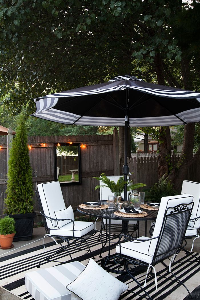 The Makerista: Outdoor Cushions with Custom Details in Black and White
