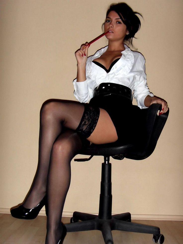 эротическое фото секретарш в нижнем белье
