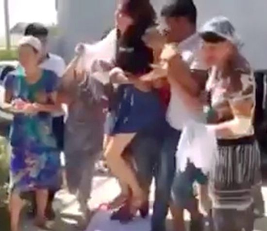 BRIDE KIDNAP ON THE SPOT AND CAUGHT IN CAMERA!