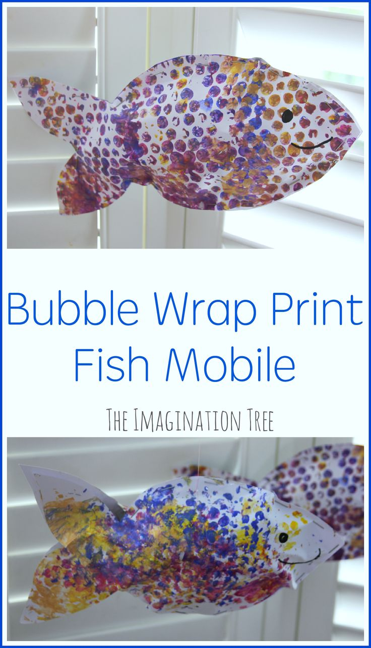 Make a bubble wrap print fish mobile for a fun, sea-side themed craft this summer!