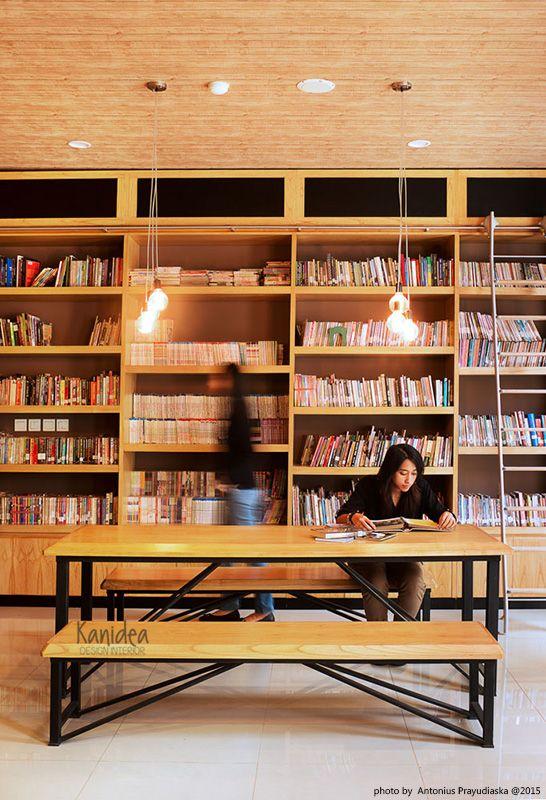 library #1 #wood #wallpaper #steel #black #lightwood #interiordesign #industrial #cozy #warm #ambience