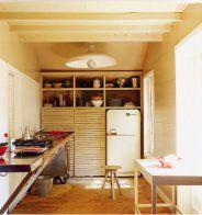 Une cuisine vintage en bois clair - Marie Claire Maison