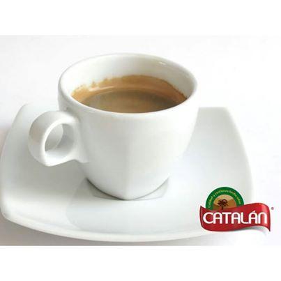 ¿Después del almuerzo que te parece un café? Sabias que tiene propiedades digestivas y te ayuda a sentirte mejor y más si es recién hecho así como el nuestro.