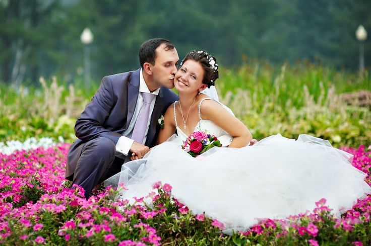 ÉRASE UNA VEZ... una pareja de recién casados que vivía en la extrema pobreza. Se llamaban Paco y Lourdes. CUENTO DE SABIDURÍA: LOS TRES CONSEJOS http://reikiheiwatoai.blogspot.com.es/2014/11/erase-una-vez-una-pareja-de-recien.html