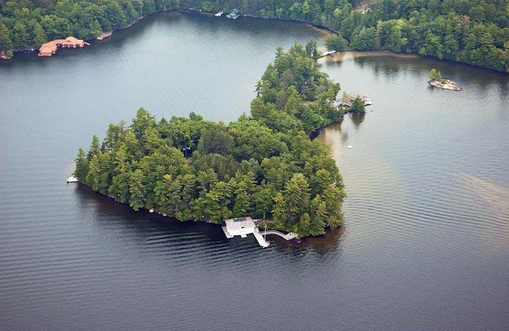 Woodmere Island - Ontario, Canada