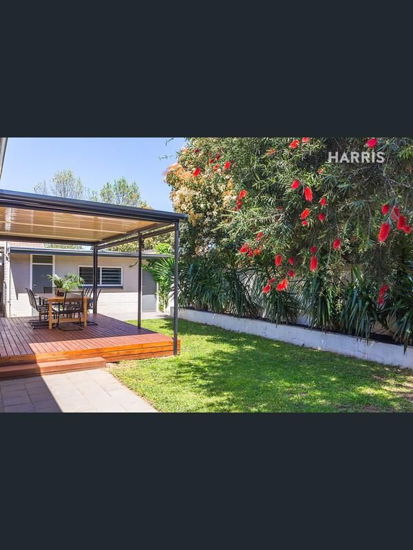 Property data for 22 Oakfield Avenue, Clarence Park, SA 5034. View sold price history for this house and research neighbouring property values in Clarence Park, SA 5034