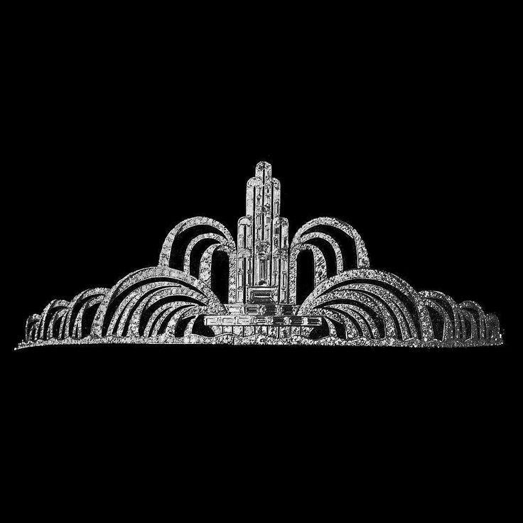 Vintage tiara by Mauboussin  art decó fountain in white diamonds  This jewel was present in the Art Décoratifs exhibition in Paris 1925  __________  Tiara vintage de Mauboussin  fuente art decó en diamantes blancos  Esta joya estuvo presente en la exposición de las Arts Décoratifs en París 1925  __________  #DeJoyaEnJoya #FromJewelToJewel #JewelryBlog #mauboussin #Vintage #VintageJewelry #JoyasVintage #bridal #novia #tiara #diadema #diamonds #AntiqueJewelry #ArtDecó #JoyasAntiguas #fountain…