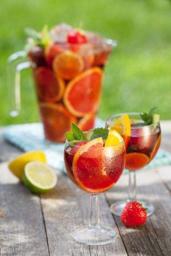 Une #sangria sans alcool aux fruits très désaltérante et rafraîchissante qui plaira à toutes les papilles !