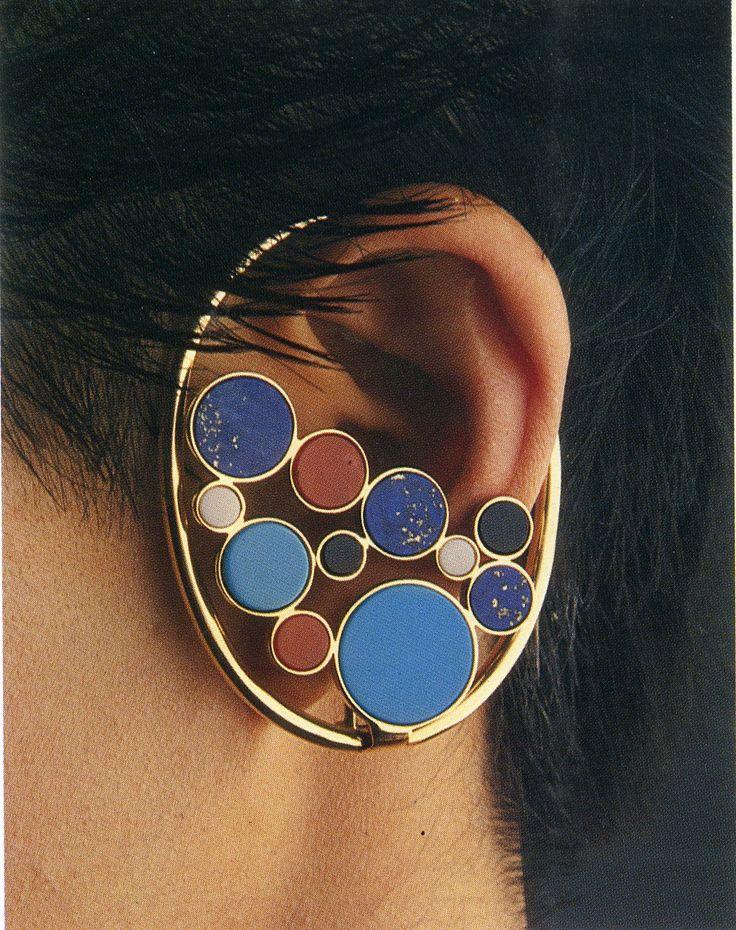 mario Bellini , earringin gold, turquoise, agate, white and black onyx #earcuff #avantgarde