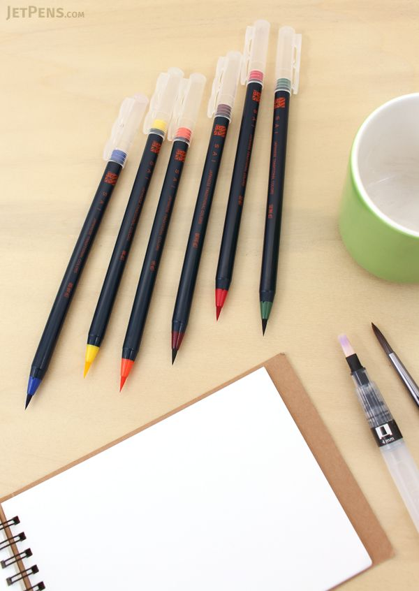 The Akashiya Sai watercolor brushes are a great combination of traditional sumi-e (Asian art) brush quality and modern brush functionality and portability.