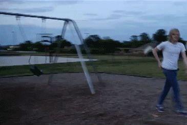 Genialny skok na huśtawkę