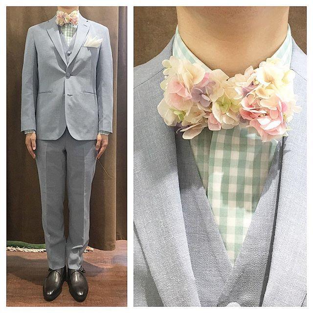 ライトなブルーグレーのスリーピース。  ミントグリーンのチェック柄のシャツに、ナチュラルなフラワー蝶ネクタイ。  優しさの塊。  オーダーメイド製品はlifestyleorderへ。  all made in JAPAN  素敵な結婚式の写真を@lso_wdにアップしました。  wedding photo…@lso_wd  #ライフスタイルオーダー#オーダースーツ目黒#結婚式#カジュアルウエディング#ナチュラルウエディング#レストランウエディング#結婚準備#新郎衣装#新郎#プレ花嫁#蝶ネクタイ#メンズファッション#花#優しさの塊  #lifestyleorder#japan#meguro#photooftheday#instagood#wedding#tailor#snap#mensfashion#menswear#follow#ootd#bowtie#flower
