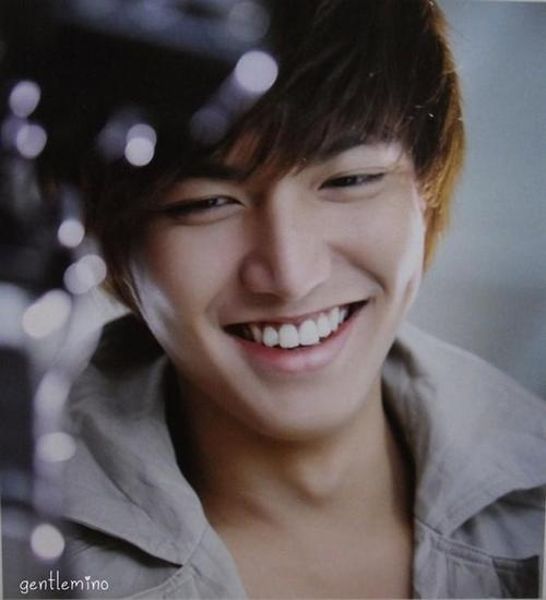 lee min ho, that smile though!!! Ahhhh plz help me.... Sexinessss...