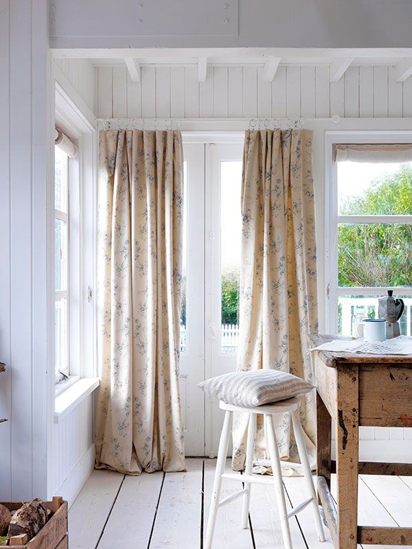 White rod and rings disappear, reduce visual clutter. Peaceful, which is what you want in a country cottage.