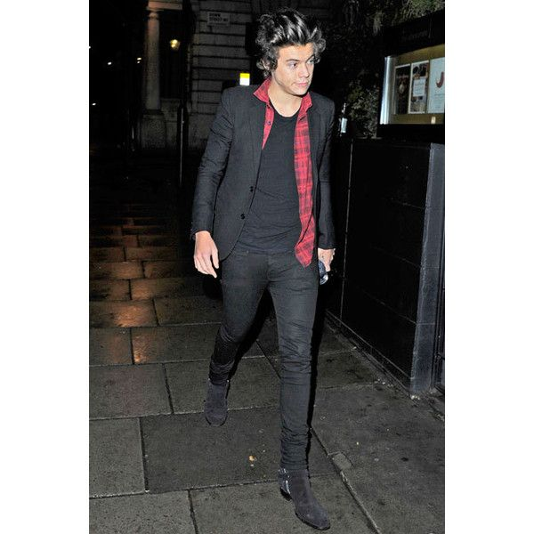 An Ode to Harry Styles' Boots ❤ liked on Polyvore featuring harry styles, one direction, harry, 1d and pics