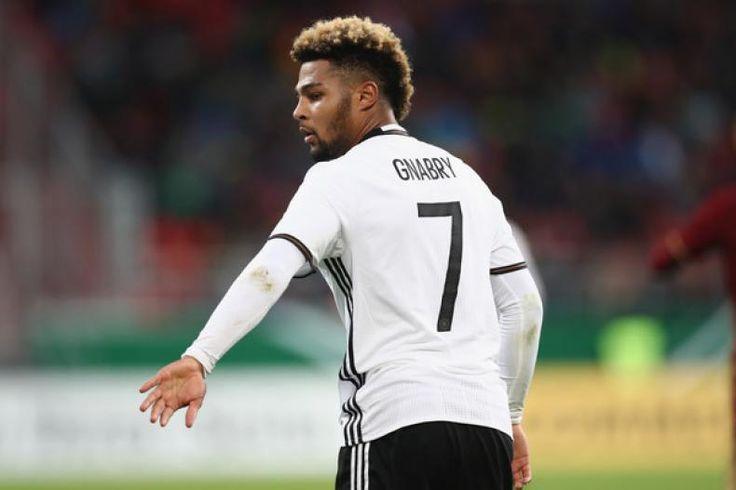 Jerman Bantai San Marino Bremen-Arsenal Saling Sindir  Konfrontasi -Arsenal dan Werder Bremen saling sindir usai kemenangan telak Jerman 8-0 atas San Marino. Apa penyebabnya?  Di kemenangan 8-0 tersebut tiga di antaranya dicetak Serge Gnabry pemain Bremen yang sempat memperkuat Arsenal musim lalu dan dilepas di bursa transfer musim panas ini.  Bersama Arsenal Gnabry gagal menembus tim inti. Ia hanya bermain sebanyak 18 kali dimana sebagian besar menjadi pemain pengganti dan hanya mencetak…