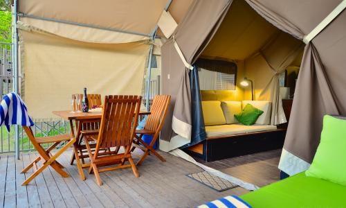 Safari Tent Tree Tops Chalet Agnes Water Beach Holidays 1770 Deck