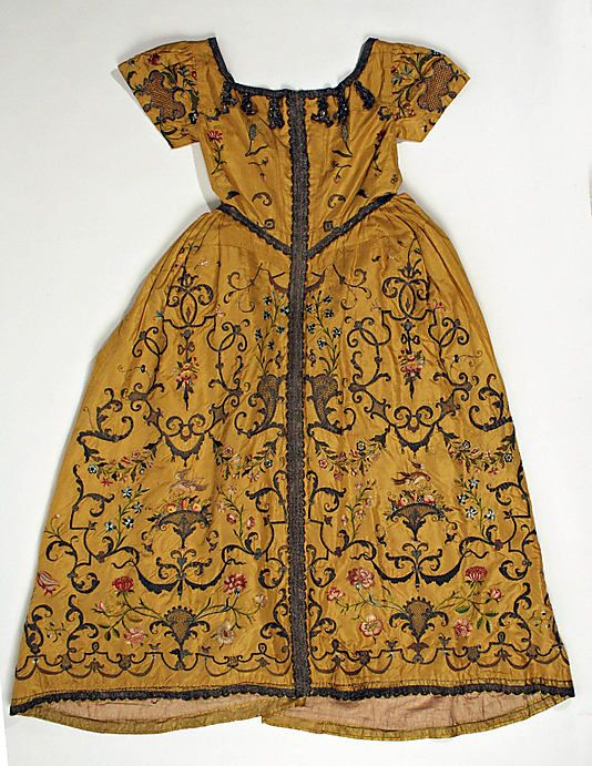 Vestment (Child's Christening robe?), ca. 1725, American or European, silk, embroidered. (c) Metropolitan Museum of Art