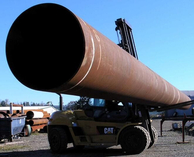 Piling Pipe is widely used in coastal, river, lake area. Offshore deepwater terminal project in the country have also been large-scale construction in coastal areas, and as a major deep-water dock pile bearing capacity, generally use the large diameter spiral weld pipe, in addition, bridges, roads, high-rise building needs piling pipe etc.