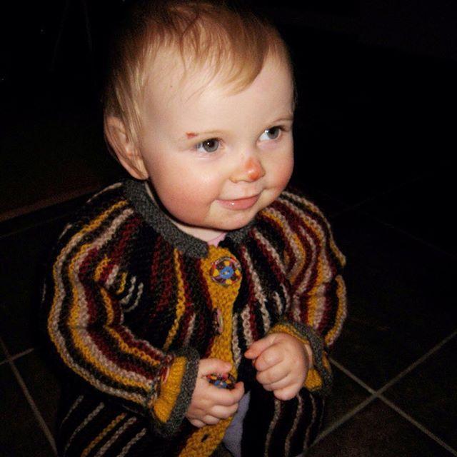 Ingvild ❤  #instastrikk #instaknit  #strikktilbarn #oneofakind #norwegiandesign #norskdesign #håndlaget #handmade #knit #knitdesign #knitforkids #knitting #strikk #strikkedesign #svingekjole #knitinwool #wool #designstrikk #DIY #medkjærlighetpåpinne #knittinglove #knitaddict #igknit #igstrikk #strikkedilla #chlarsen #knittersofinstagram #premiumknit #vendestrikk #forkortedepinner