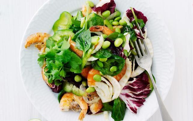 Salat med edamamebønner og rejer