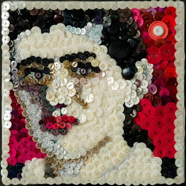 16 Anton Veenstra Textiles - Self portrait in buttons, face art