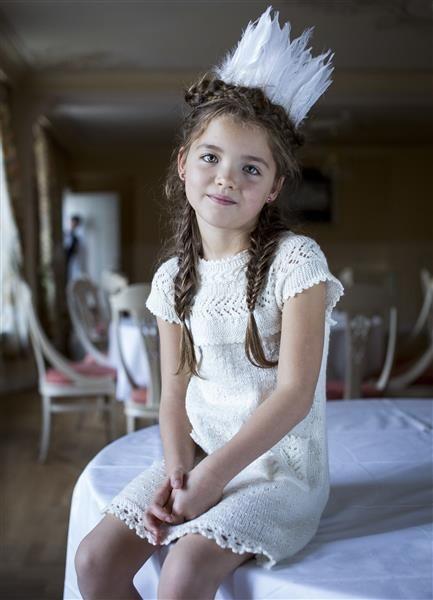 """1401: Modell 12 """"Svaneprinsessen"""" kjole #strikk #eventyr #sisu"""
