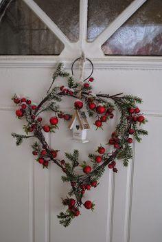 .heart wreath
