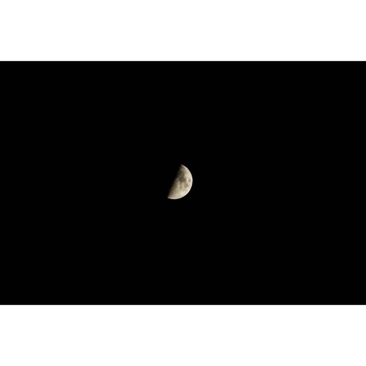 Check and follow my profile! Thanks!La metá basta... Half is enough... -- #luna #moon #moonlovers #goodnight #halfmoon #half #metá #photo #photography #photograph #foto #fotografia #picture #pic #buonanotte #lookup #black #nero #minimal #vintagelens #instagood #insta #instalike #instago #bestoftheday #picoftheday #photos #photooftheday #instaoftheday #instagram