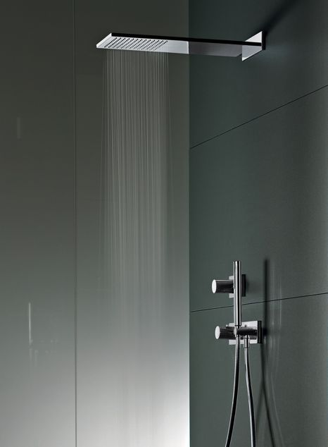 Bathroom with anthracite walls and Milano Faucet Series by Fantini _