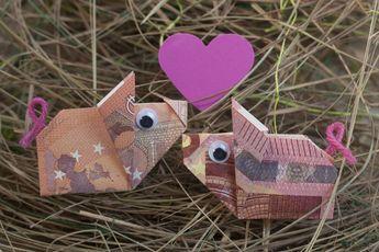 Wie Sie Schweine aus Geldscheinen falten erfahren Sie in unserem Blog! Komplette… – gw