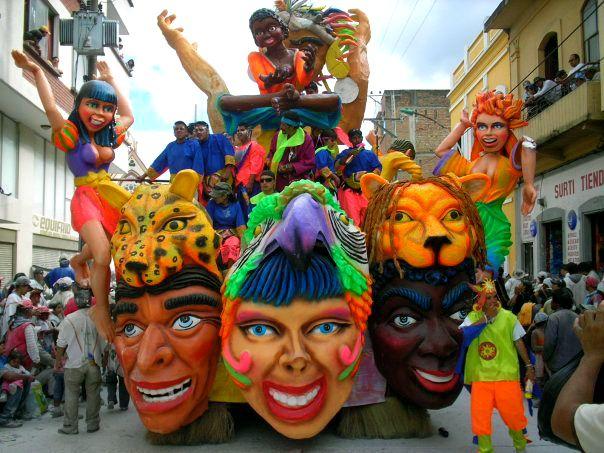 Colombia-Nariño-San Juan de Pasto-Carroza en el Carnaval de Negros y Blancos