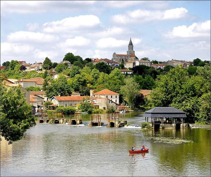 St.Simeux. River Charente. France.