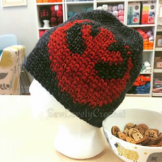 Pattern for star wars Lovers! Can incorporate the graph using knit or crochet.