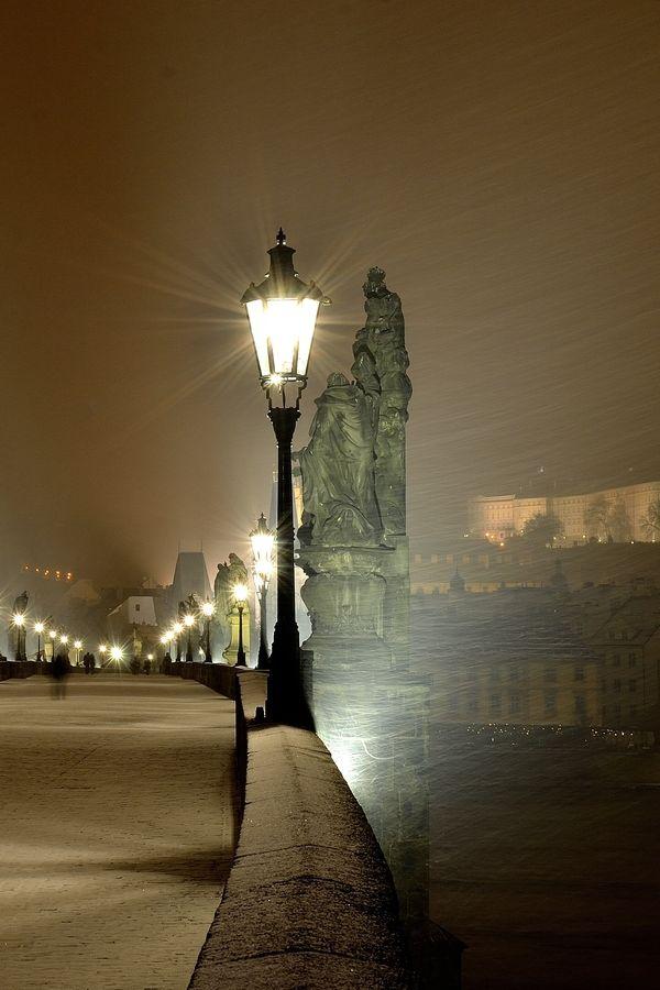 Street Lamps at Charles Bridge in Prague, Czechia (by Max Catel)