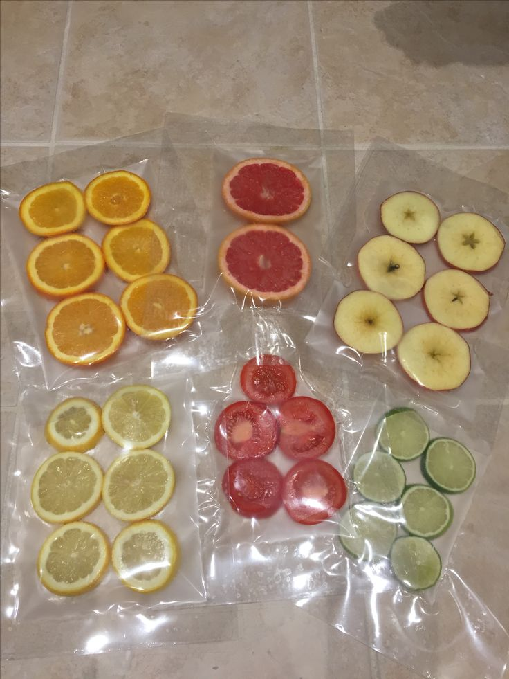 Laminated fruit to observe the changes and decay...