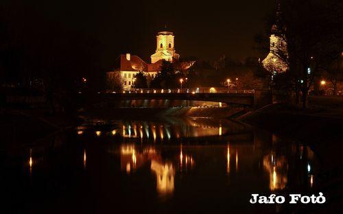 Panoramio - Photos by Jafo bácsi > Győr éjszaka,Püspökvár