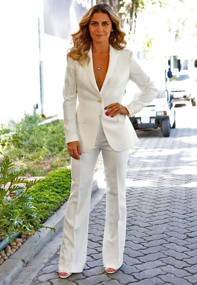 Giovanna Antonelli aposta no look 'total white' para apresentar a vilã Atena (Foto: Ellen Soares/Gshow)