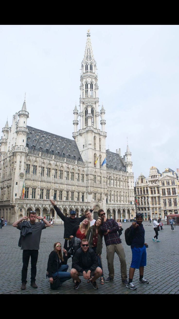 This is how you spend the perfect day in Brussels: waffles, chocolate and Delirium cafe!