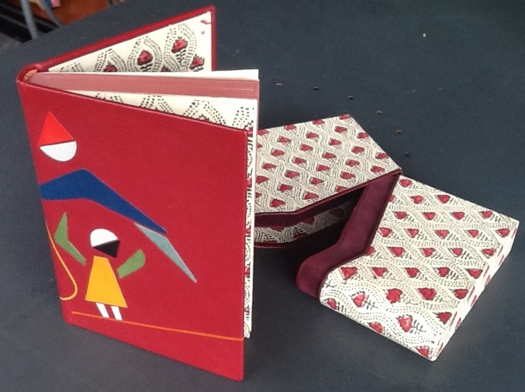 Libro con scatola