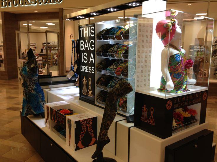 mall kiosk in las vegas selling dressed u0026 39 n