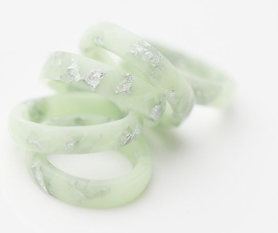 Pastell Harz Ring Lucite Green Stacking Ring Silber von daimblond