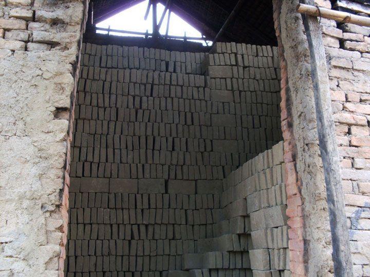 Armazém de tijolos (pré-cozimento) (Foto: Matheus Pinheiro de Oliveira e Silva)