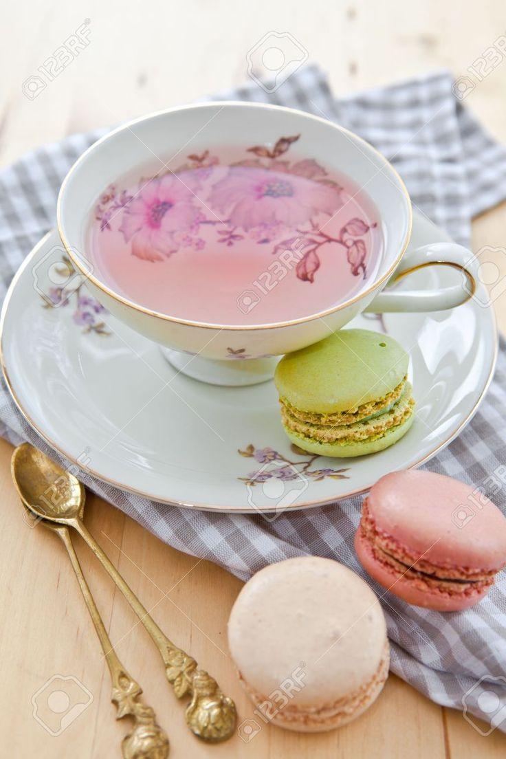 19115880-Fruit-tea-and-macaroons-Stock-Photo-tea-cup.jpg (866×1300)